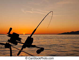 bas, gréement, canne pêche, à, coucher soleil