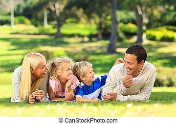 bas, parc, mensonge, famille