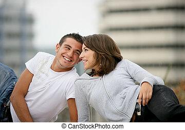 bas, whilst, couple, assis, tourisme