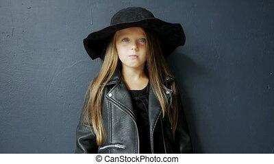 bascule, style, studio, girl