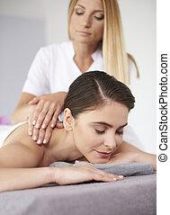 basierend, frau, massage, während