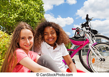 basierend, Radfahren, sommer, nach, m�dchen,  friends, Stadt