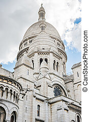 Basilica Coeur Sacre on Montmartre in Paris - Basilica of...