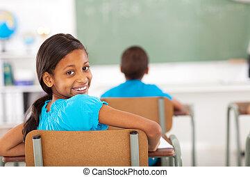 basisschool, meisje, in, klaslokaal