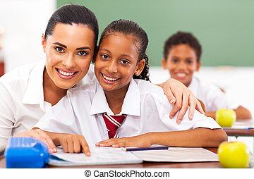 basisschool, opvoeder, en, scholieren