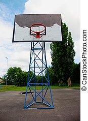 basket-ball, porté, hoopand, vieux, bleu ciel