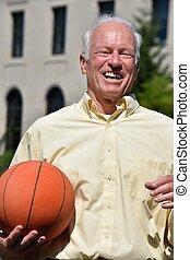 basquetebol, atleta, treinador, macho sênior, sorrindo