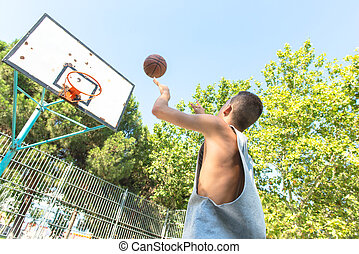 basquetebol, tocando, homem, jovem