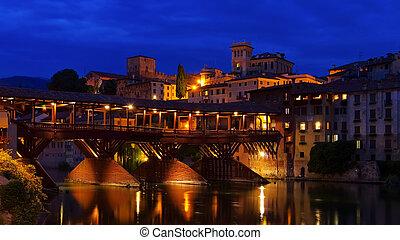 Bassano del Grappa Ponte Vecchio night