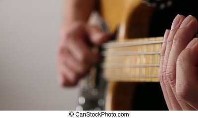 basse jouant