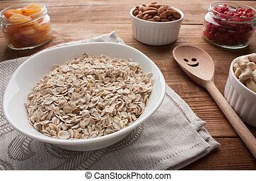 bassin bois, spoon., abricots, cerises, cajous, flocons, séché, amandes, table, pots, avoine