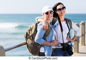 bastante, dos, hembra, turistas