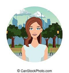 bastante, mujer, en el parque, con, urbano, plano de fondo