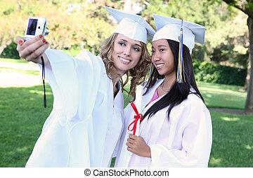 bastante, mujeres jóvenes, en, graduación