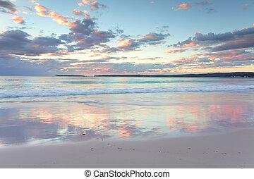 bastante, pastel, amanecer, salida del sol, en, hyams, playa, nsw, australia