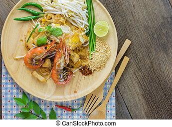 bata frito, tallarines arroz, (pad, thai)