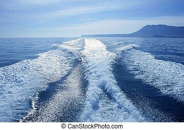 bateau, blanc, sillage, sur, les, océan bleu, mer