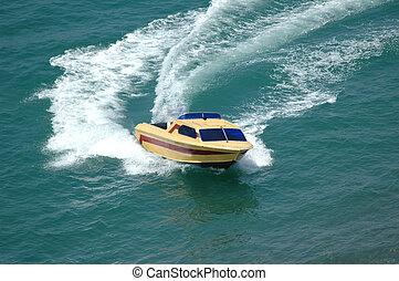 bateau moteur, confection, a, virage, dans, les, mer