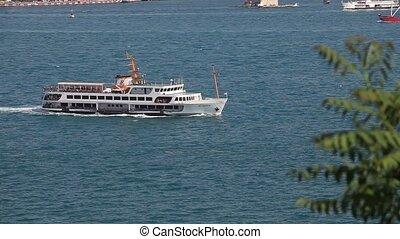 bateau passager, 2