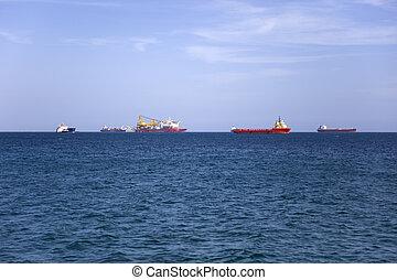 bateaux, cargaison, horizon