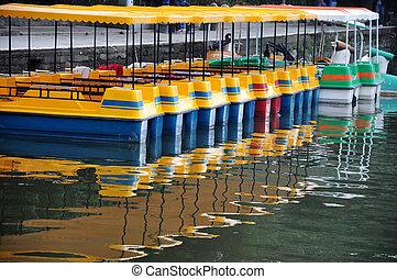 bateaux, coloré