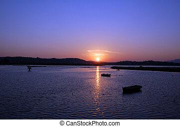 bateaux, et, coucher soleil