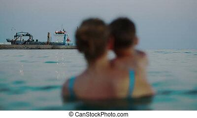 bateaux, fils, regarder, dock, mer, mère