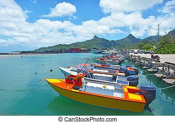 Images et photos de avatiu 13 images et photographies for Cuisinier bateau