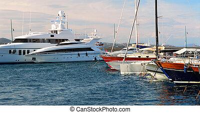 bateaux, st.tropez