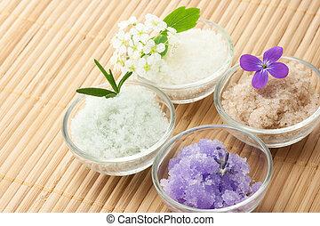 Bath salt with flowers