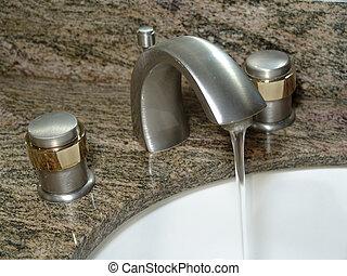 Bathroom Faucet - Photo of Bathroom Faucet