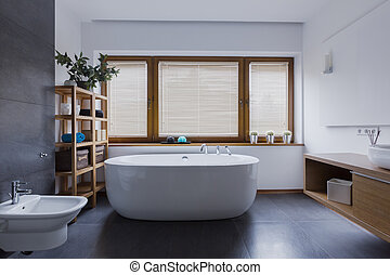 Bathroom with freestanding bathtub - Spacious and...