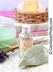 bath/spa, items