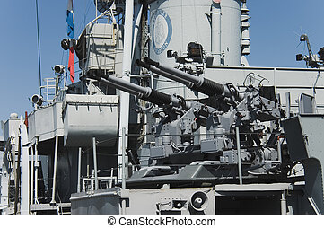Battleship guns
