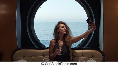 bautiful, restaurant.., selfie, robe soir, prendre, girl