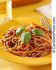 bazylia, sos, garnirować, spaghetti, mięso