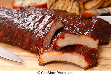 BBQ Ribs with toasted bread and cole slaw - Delicious BBQ ...