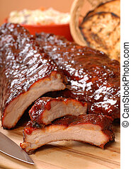 BBQ Ribs with toasted bread and cole slaw