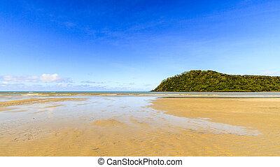 Beach at Cape Tribulation - The beautiful yellow beach and ...