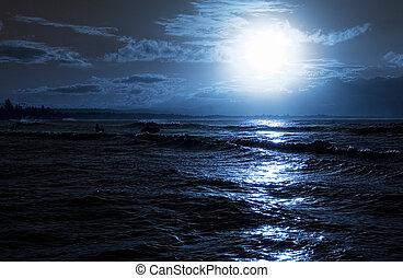 Beach evening - Moon rise over calm ocean