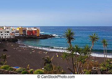 Beach in Puerto de la Cruz - Tenerife island (Canary)