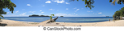 Beach of pulau Kadidiri - Togians island - Sulawesi - Indonesia - Large Panorama.