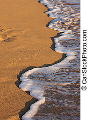 Beach Shoreline Wash - Beach Shoreline in the Early Morning ...