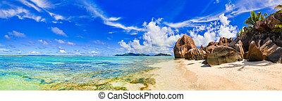 Beach Source d\'Argent at Seychelles - Beach Source d'Argent...