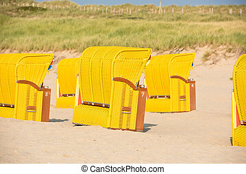 Strandkorb clipart  Strandkorb, beach chairs. Strandkorb, beach chairs on beach ...