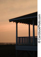 beachfront, ondergaande zon , silhouetted, portiek