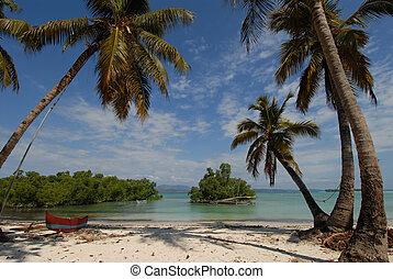 beack - Africa, Madagascar, a beautiful white beach