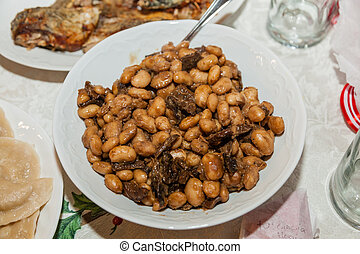 Beans and mushrooms