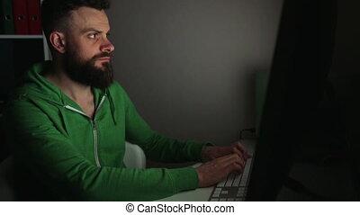 beared, uomo, computer usa
