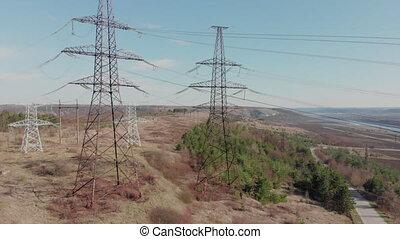beau, élevé, paysage, aérien, pouvoir électrique, sky., nature, ensoleillé, contre, bourdon, day., lines., tension, pylône, vue